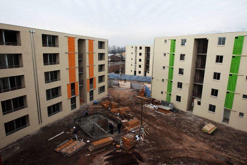 ¿Por qué en Chile falta medio millón de viviendas?